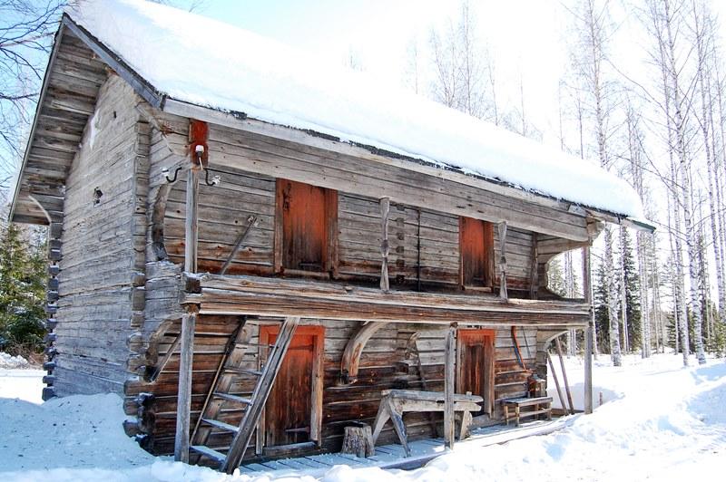 Maalaistalo Sipilä-aitta-1800-luku-historia-vanhan-ajan-maalaistalon-tunnelmaa